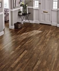 Welcoming house enterence with deep brown Karndean flooring